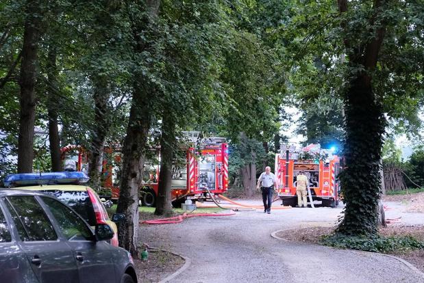 Tuinhuis in Koekelare brandt volledig af: oorzaak nog niet bekend