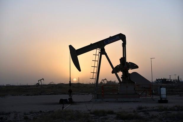 Olie in smalle prijsvork