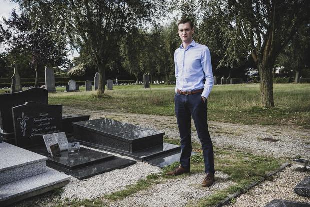 """Onvrede op het kerkhof: """"Wij houden het hier proper. Waarom kan de stad dat niet?"""""""