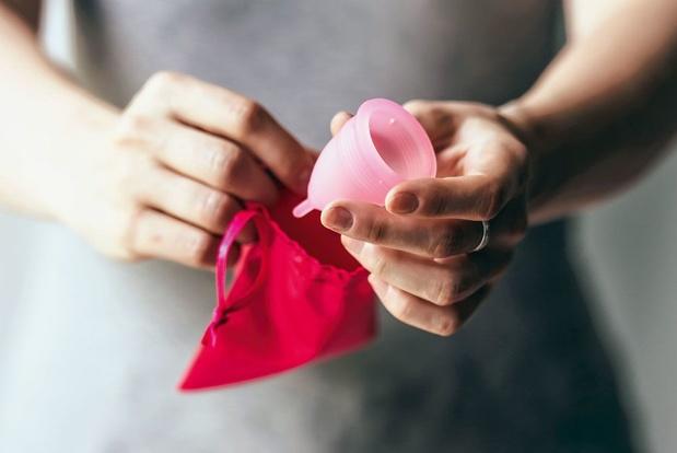 Lutter contre la précarité menstruelle en offrant des cups à ses membres, la bonne idée d'une mutualité belge