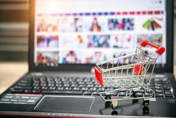 Ruée sur les vente en ligne de vêtements durant les soldes