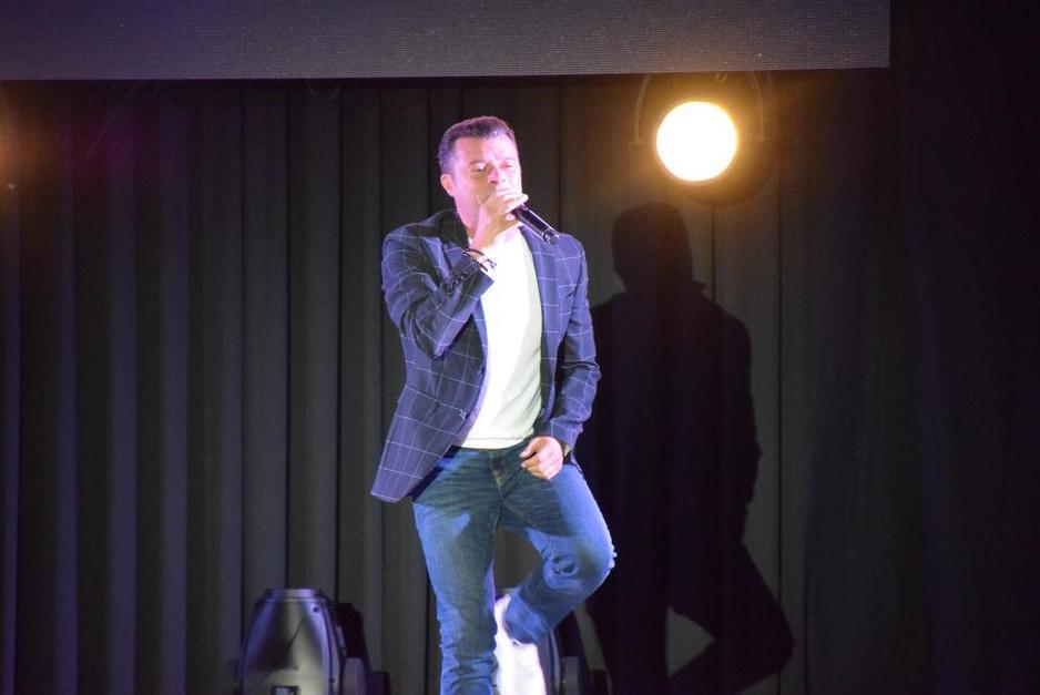 IN BEELD - Christoff in Concert in Salons Mantovani in Oudenaarde