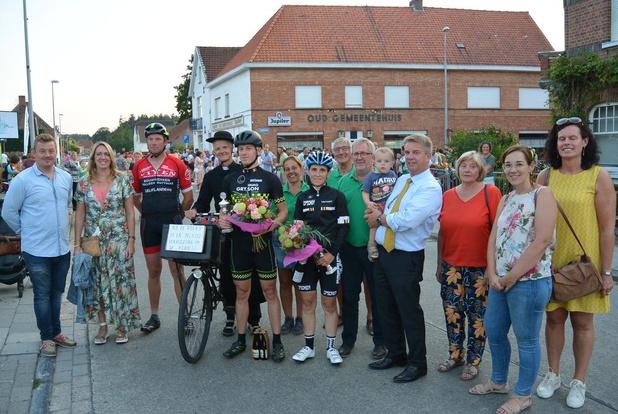 Anja Nobus en Stijn Deklerck winnen parochianenkoers tijdens Hertsbergse Feesten