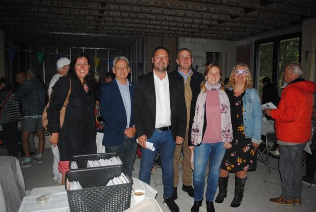 Omwonenden bezoeken nieuw Brugs dienstencentrum Rond den Heerd