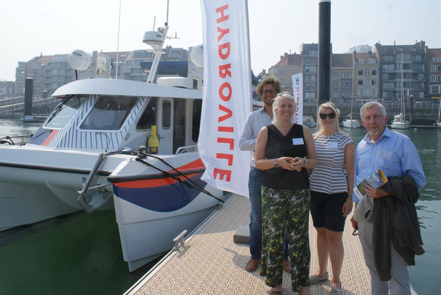 Catamaran op waterstof aangemeerd in Oostendse haven
