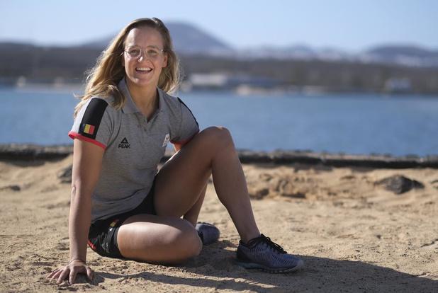 Emma Plasschaert zeilt deze week op het olympisch water in Japan