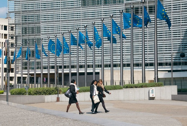 """La Commission européenne suspend son activité de restauration: """"un mauvais exemple"""" qui révolte"""