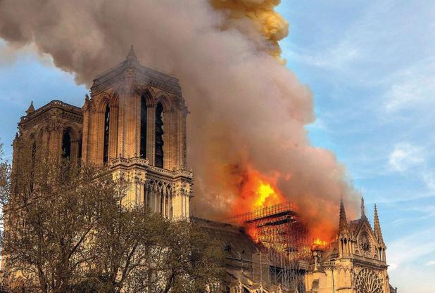 Voor het eerst in meer dan 200 jaar geen kerstviering in Notre-Dame