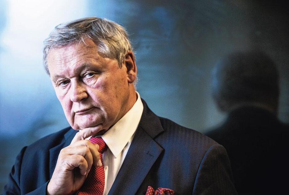 Ex-kabinetschef koning Filip: 'Ik hoop dat onze leiders hun verstand gebruiken. Maar dat hoopten ze in 1940 ook'