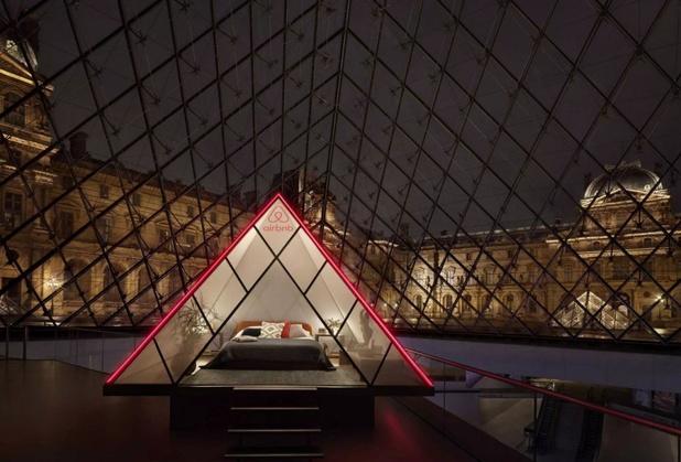 Breng met Airbnb een unieke nacht in het Louvre door