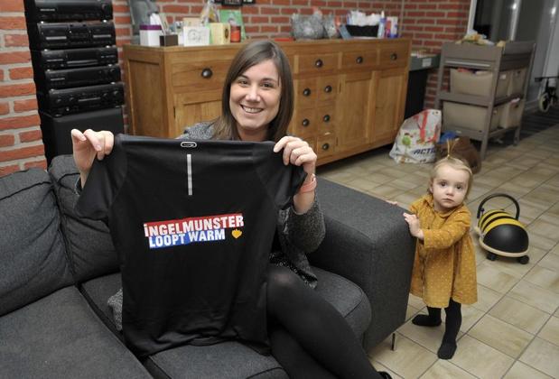 Hanne uit Ingelmunster speelt toneel en verkoopt t-shirts voor De Warmste Week