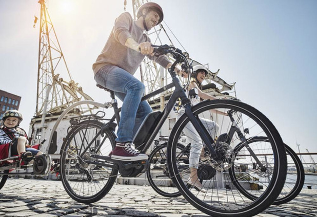 E-fietsers fietsen meer