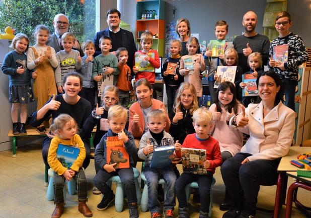 Brugse basisschool Immaculata wint boekenpakket dankzij 'Grote Voorleesdag'