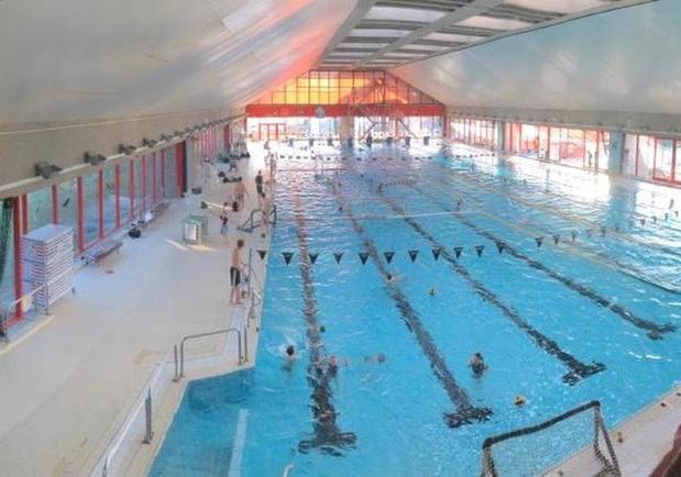 Politie zet Franse jongeren buiten uit stedelijk zwembad in Oostende