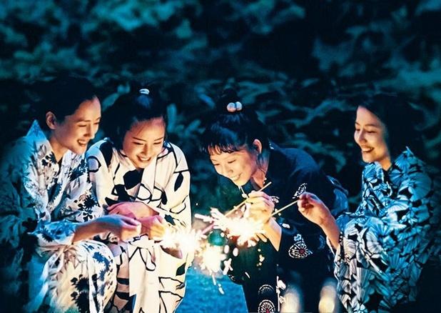Tv-tip: 'Our Little Sister' van Hirokazu Kore-eda, ideaal met een glaasje pruimenwijn