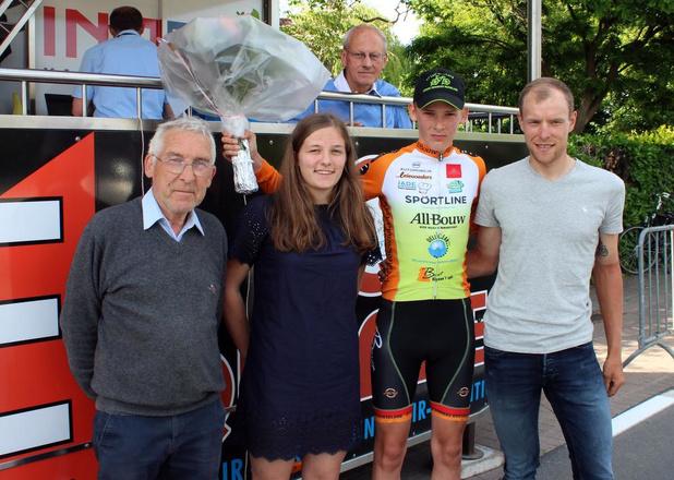 William Denys snelste in spurt met acht bij Nieuwelingen in Zwevegem