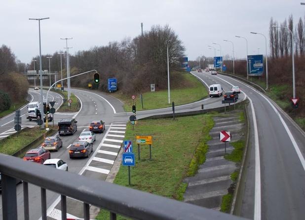 Nog maar eens vertraging voor werken aan beruchte verkeerswisselaar