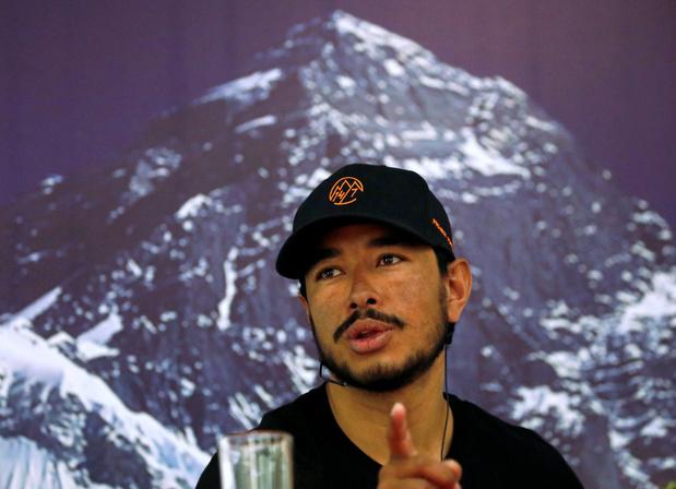 Nepalese bergbeklimmer vestigt record met het beklimmen van 14 bergen in zeven maanden