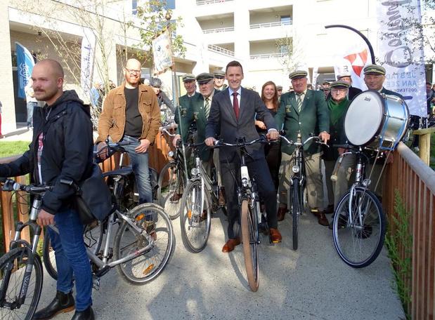 Nieuwe fietsroute Groen Lint is officieel geopend, 35 km in beide richtingen bepijld