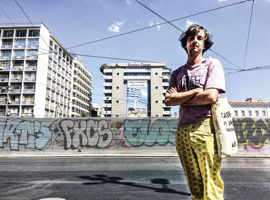 Maarten Inghels trok met romanschrijver Vincent Van Meenen naar het Griekenland in crisis