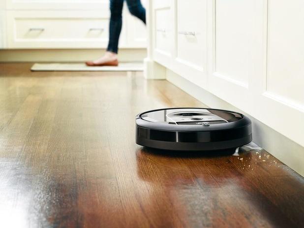 """Comment les aspirateurs robots dépoussièrent la """"smart home"""""""