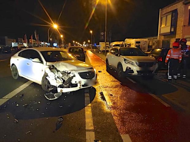 Bestuurder (27) richt ravage aan in Torhoutsesteenweg in Oostende