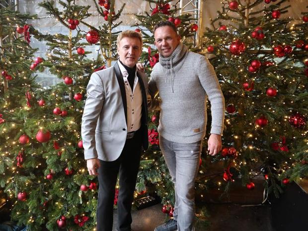 Jason Bradley en Chris Clark traden op voor grote massa tijdens kerstmarkt in Aachen