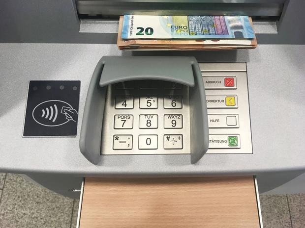 Zo gebruikt u uw bankkaart op reis