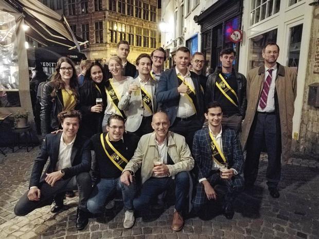 Avec le club étudiant de la N-VA à Anvers (Reportage)