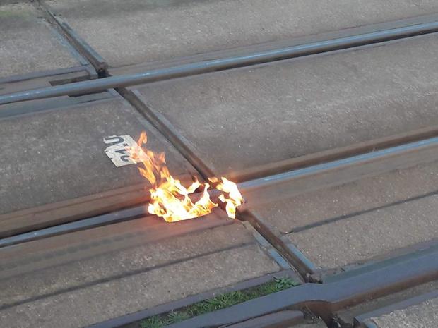 Tramsporen in brand in Oostende