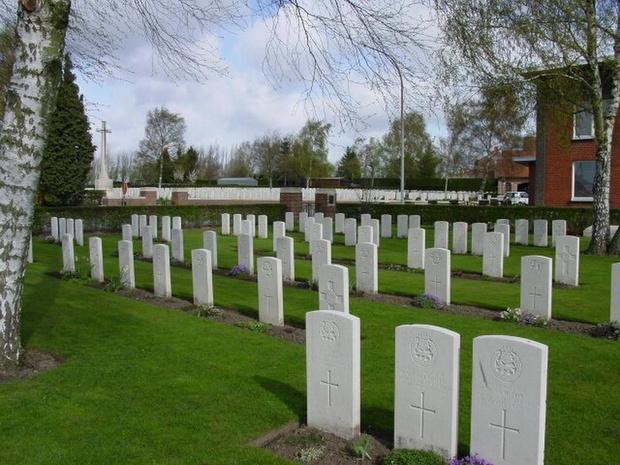 Geert Bourgeois kent subsidie van 685.000 euro toe voor restauratie Britse militaire begraafplaatsen