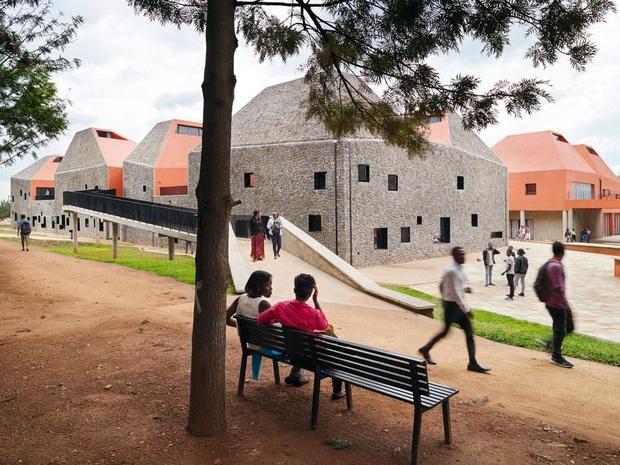 Immersion dans la nouvelle école d'architecture de Kigali