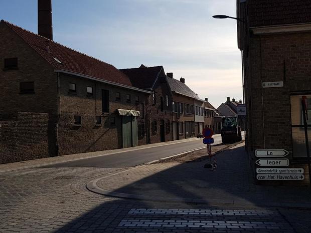 Zwartestraat in Reninge terug open voor verkeer