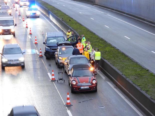 Vier wagens betrokken bij kop-staartaanrijding op Expresweg in Brugge
