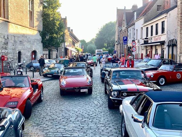 Weekend lang oldtimers spotten in Damme door GT Classics