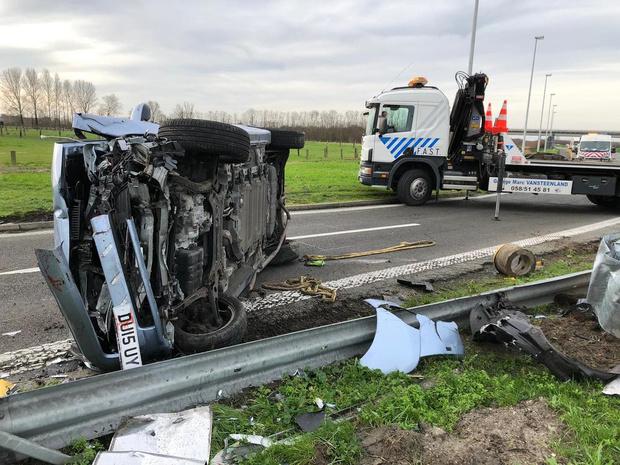 Britse wagen crasht in Mannekensvere bij Middelkerke