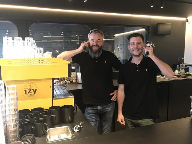 """Izy Coffee uit Izegem opent nieuwe vestiging in Tielt: """"Grootste koffiebar worden"""""""