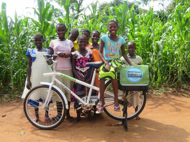 Fietsherstellers uit Oeganda komen op werkbezoek in Wevelgem