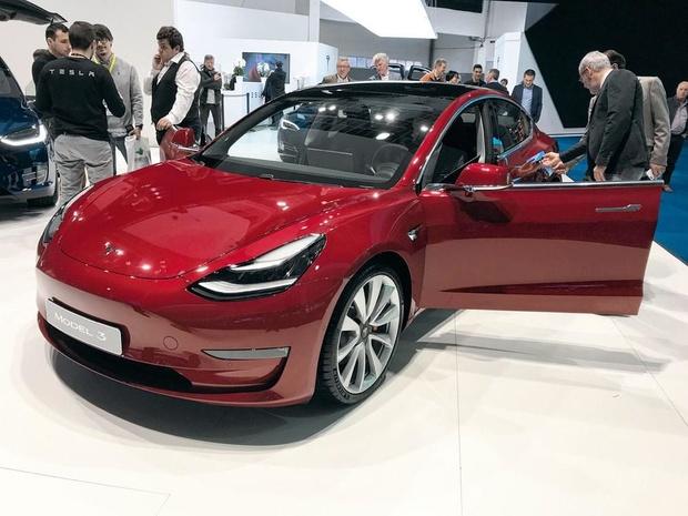 'Tesla n'atteint pas son quota de production'