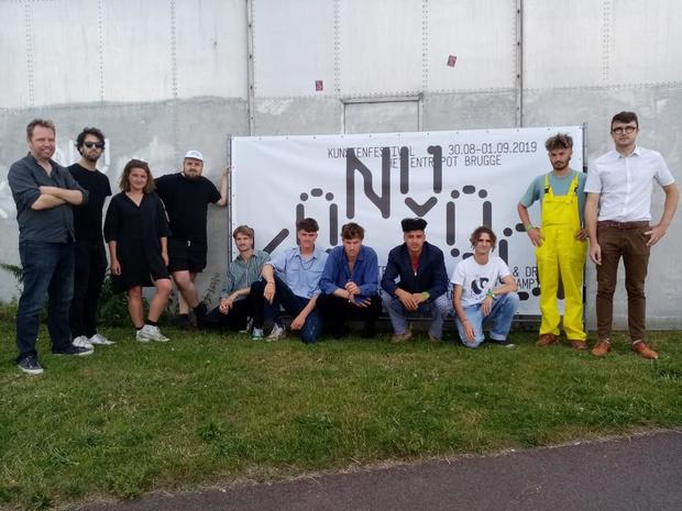 Nieuw Brugs jongerenkunstenfestival KONVOOI organiseert traagste wielerwedstrijd ooit