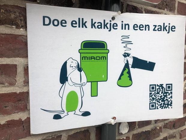 """Wevelgem voert nieuwe actie tegen hondenpoep: """"Er zullen zeker controles volgen"""""""