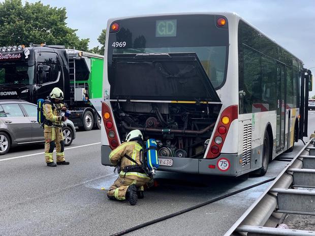 Lijnbus zonder passagiers vat vuur in Brugge
