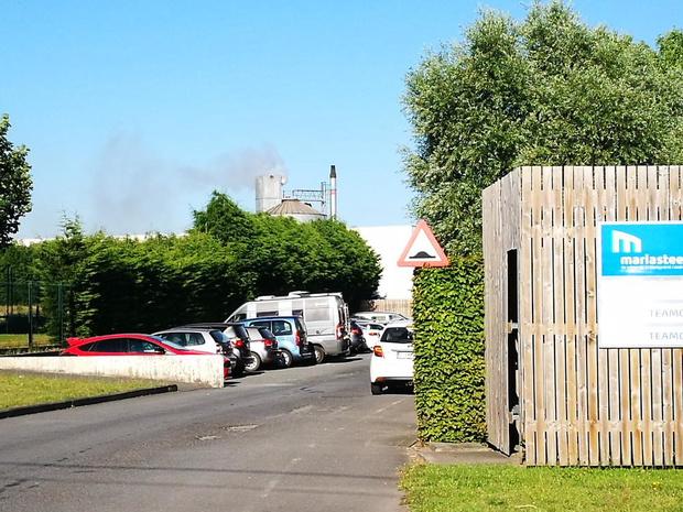 Brand in silo bij maatwerkbedrijf Mariasteen in Roeselare: oorzaak nog onbekend