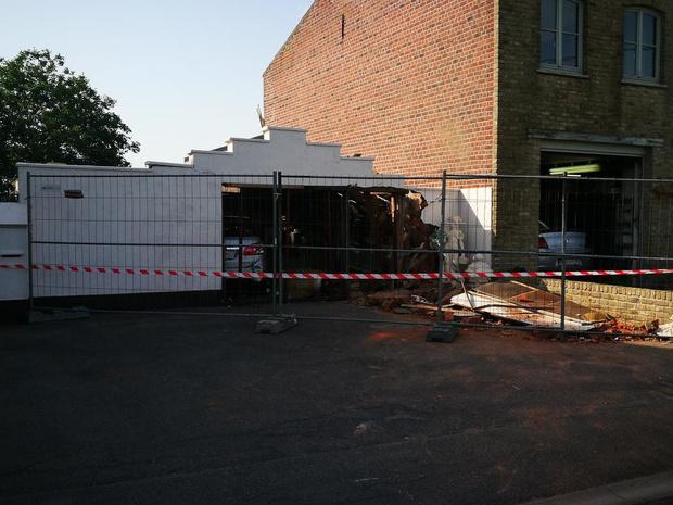 Garage in Ingelmunster moet worden afgebroken nadat gasfles ontploft