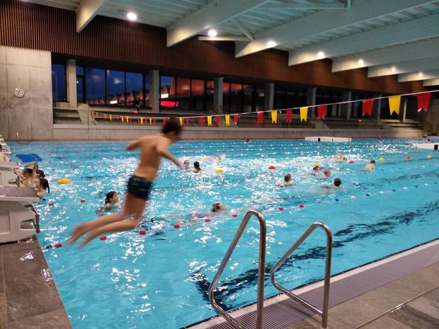 Voorlopig nog geen glijbanen in Kortrijks zwembad