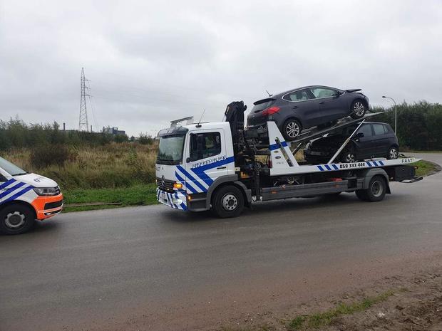 Twee wagens betrokken bij zware frontale botsing in Oostende