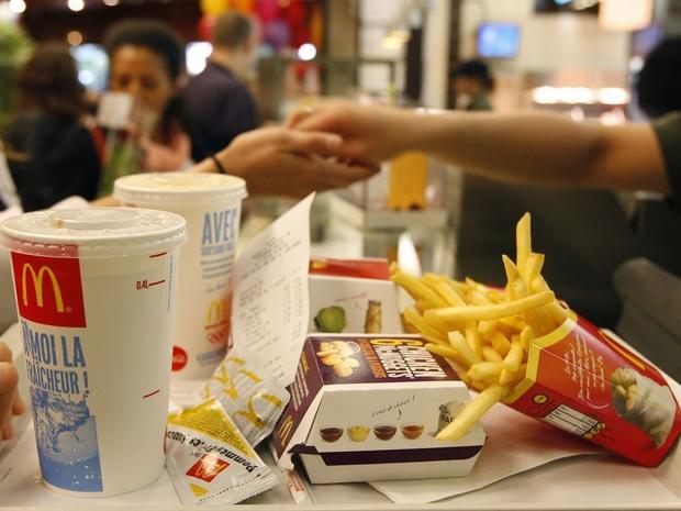 """McDonald's poursuivi pour """"harcèlement sexuel systématique"""""""