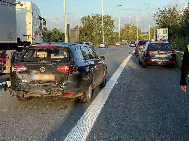 Vijf wagens betrokken bij ongeval op E40 tussen Brugge en Oostkamp