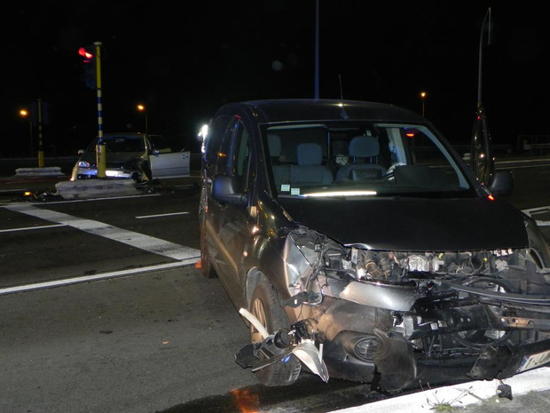 Zwaar ongeval aan R32 in Ardooie: één man gewond naar het ziekenhuis overgebracht