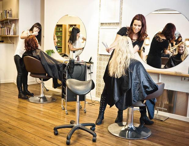 Les coiffeurs exigent la fermeture de leur salon et mettent en demeure les autorités